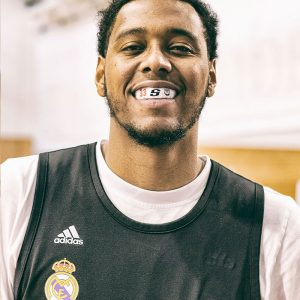 Protector bucal para baloncesto de Trey Thompkins - Real Madrid