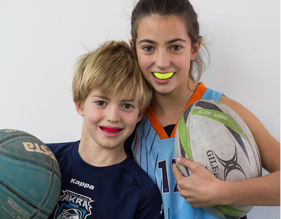 Protectores bucales deportivos para niños